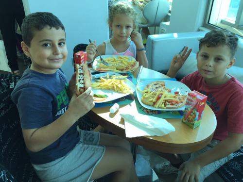 celebrating-the-winners-of-back-to-school-4