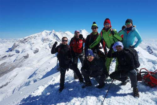 fxtm-organises-corporate-mountain-trip-along-the-swiss-alps-4